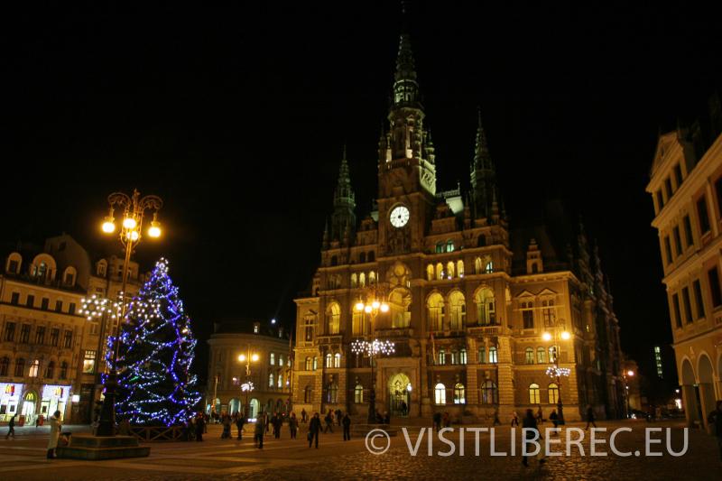 Historická radnice o Vánocích
