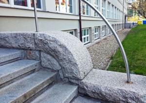 Žula ve stavebnictví, budova P TUL, foto: Emil Drápela